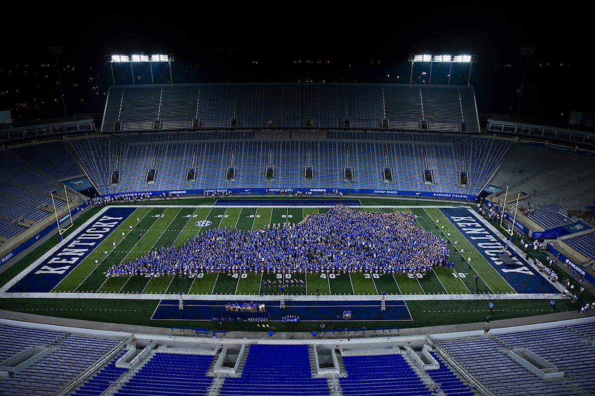 Class photo at Big Blue U